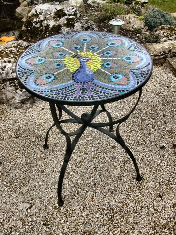 Pekayuan: Cool Mosaic coffee table ideas